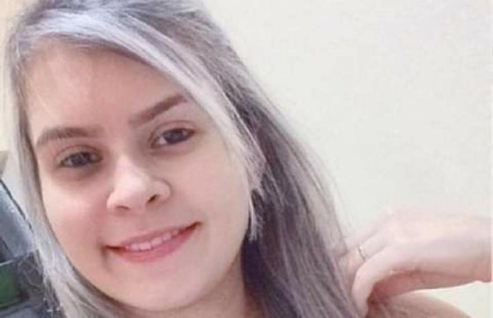 Jovem foi morta dentro de casa em Fortaleza. Polícia investiga tiro acidental  — Foto: Arquivo pessoal