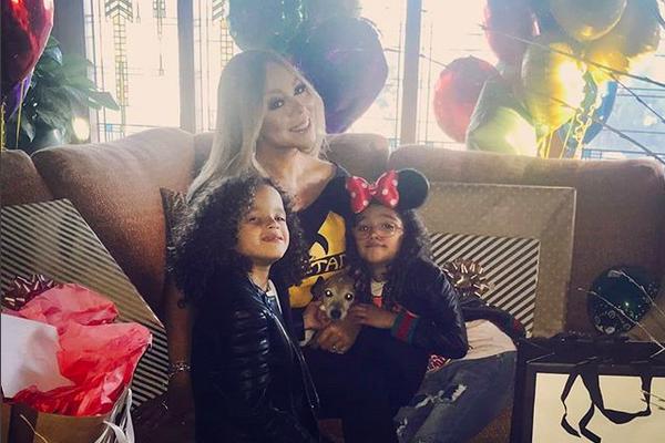 A cantora Mariah Carey celebrando seu aniversário junto com seus filhos (Foto: Instagram)