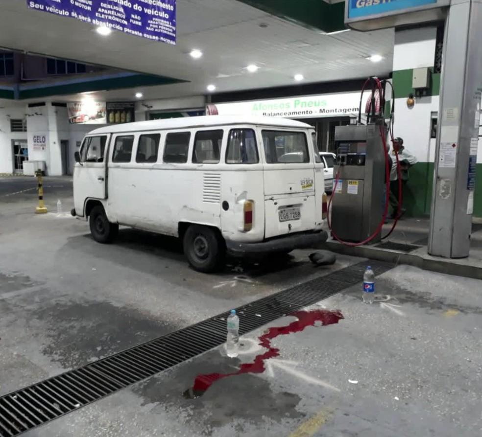 Local onde subtenente foi morto em posto de combustíveis em Campinho. (Foto: Reprodução/ GloboNews)