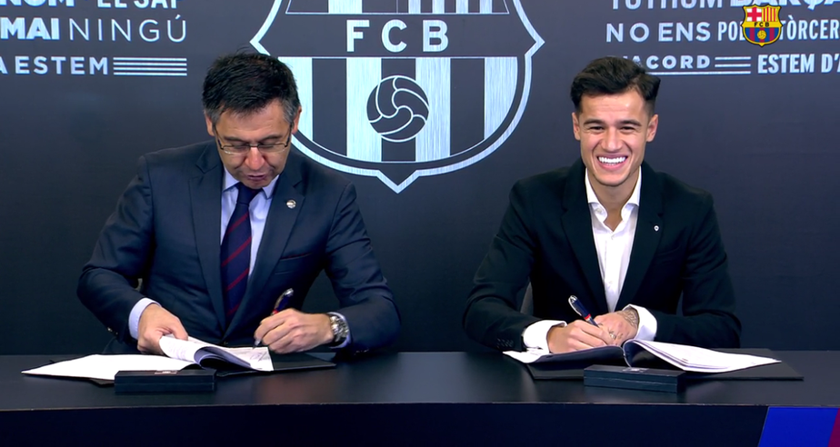 Ainda sem número, Philippe Coutinho assina até 2023 com o Barcelona