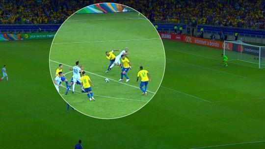 Lista GE: nove vezes em que os adversários do Brasil saíram reclamando da arbitragem
