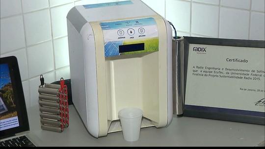 Estudante da UFPB desenvolve filtro que refrigera água usando energia solar
