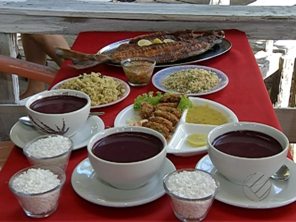 Açaí no Pará é acompanhamento para pratos como peixe frito. — Foto: Reprodução/TV Liberal