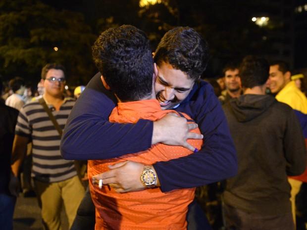 Apoiadores da oposição venezuelana comemoram resultados da eleição legislativa em Caracas (Foto: Federico Parra/AFP Photo)