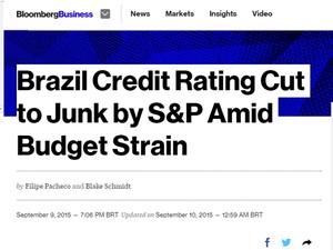 Bloomberg destaca o corte na nota de crédito do Brasil (Foto: Reprodução/Bloomberg)