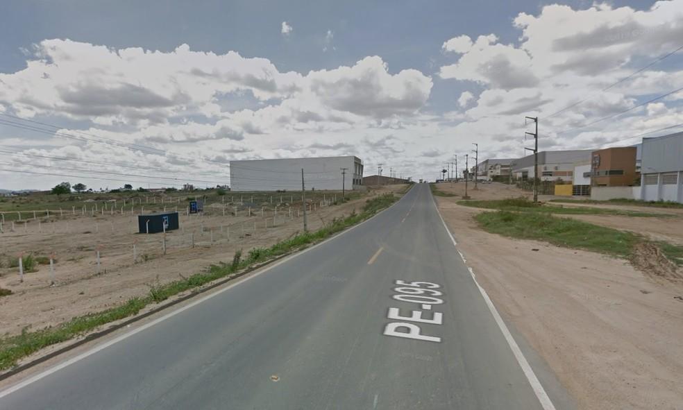 Um dos crimes ocorreu PE-95, em Caruaru — Foto: Google Street View/Reprodução