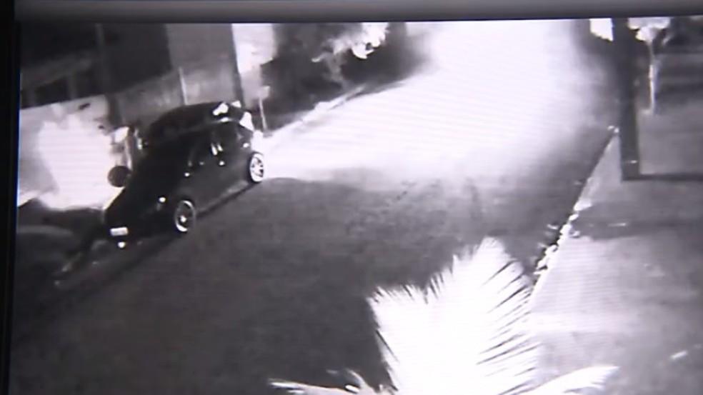 Homem atropelou ex-mulher e atual namorado dela em Londrina — Foto: Reprodução/RPC