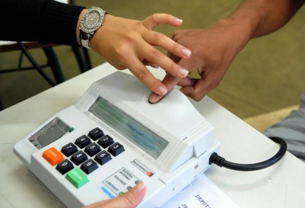 Eleitores que não fizeram cadastramento biométrico não poderão votar nas eleições de outubro.  — Foto: Divulgação/TRE