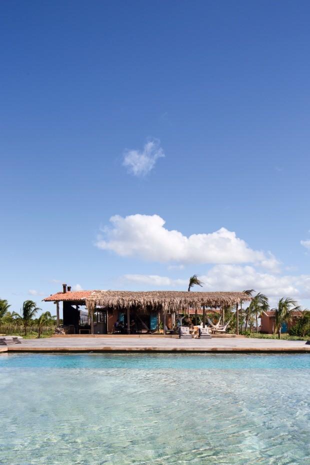 Conheça a casa de praia paradisíaca dos donos do Salão Laces (Foto: Filippo Bamberghi)