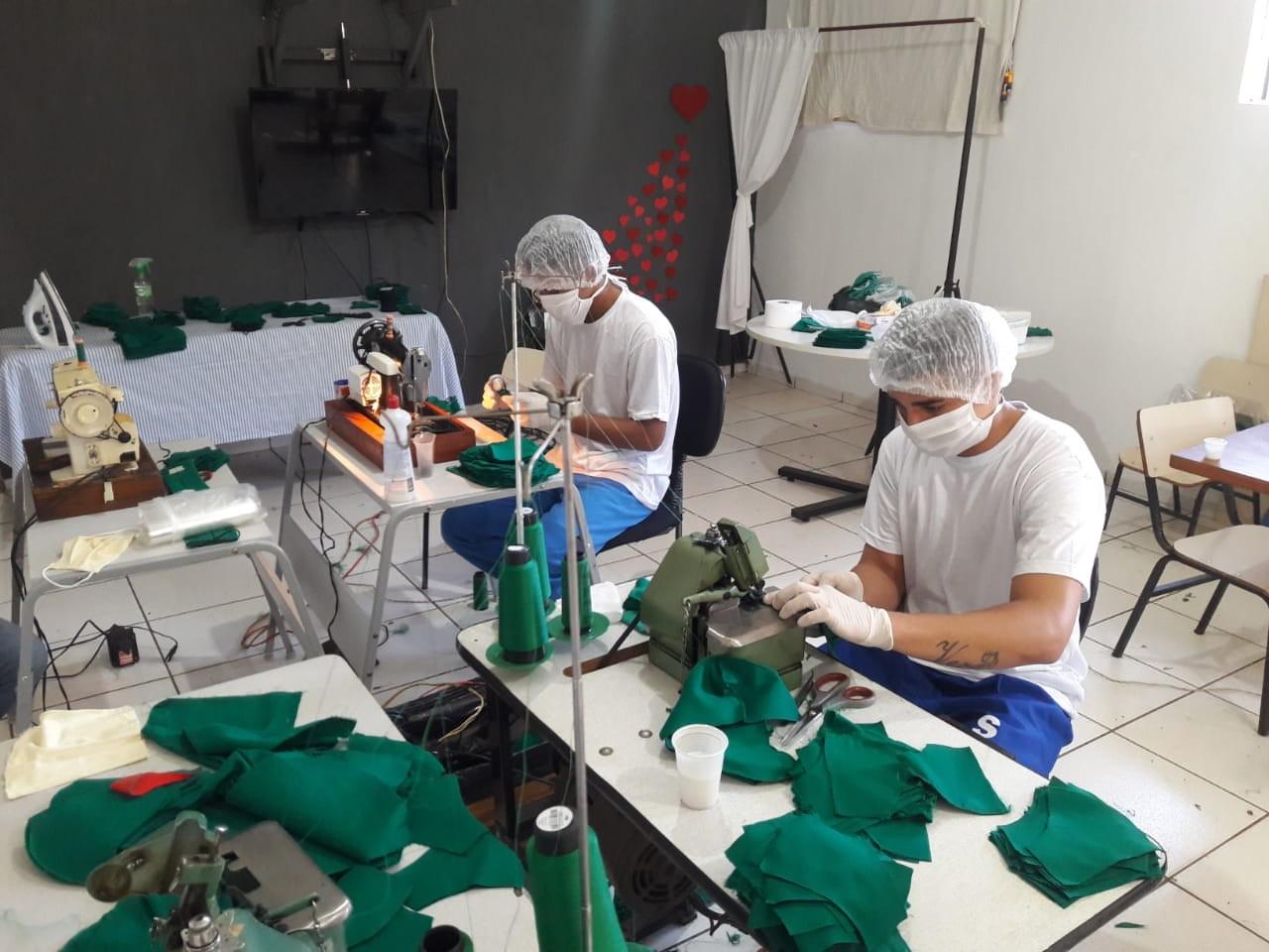 Covid-19: adolescentes de centros socioeducativos do Triângulo e Alto Paranaíba aprendem a produzir máscaras