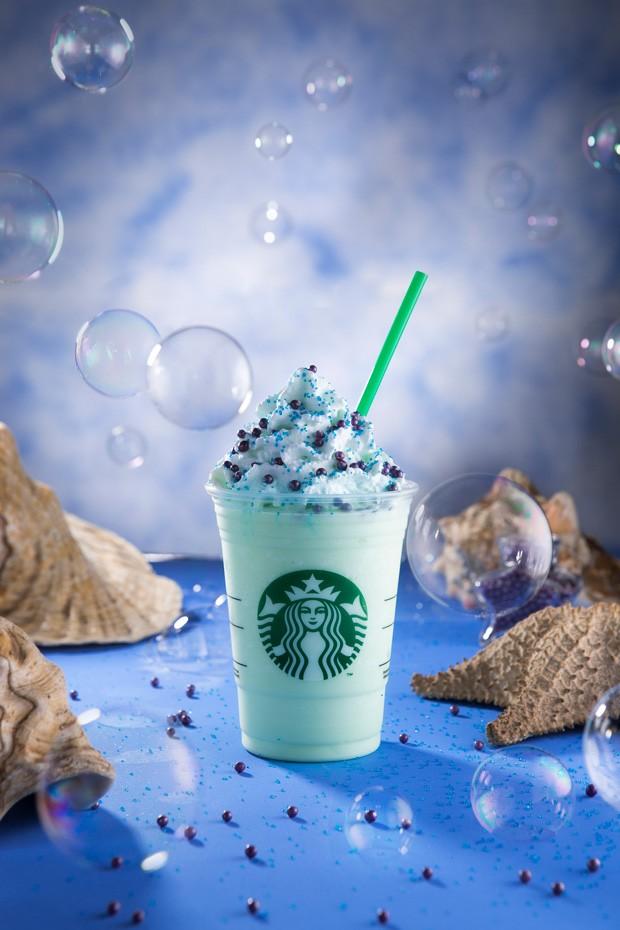 Novo sabor de frappuccino da Starbucks é inspirados nas sereias (Foto: Divulgação)