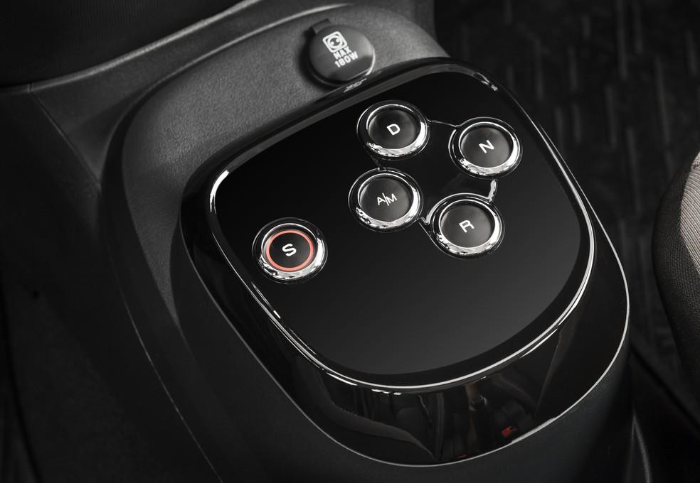Câmbio do Mobi GSR tem acionamento por botões — Foto: Divulgação/Fiat