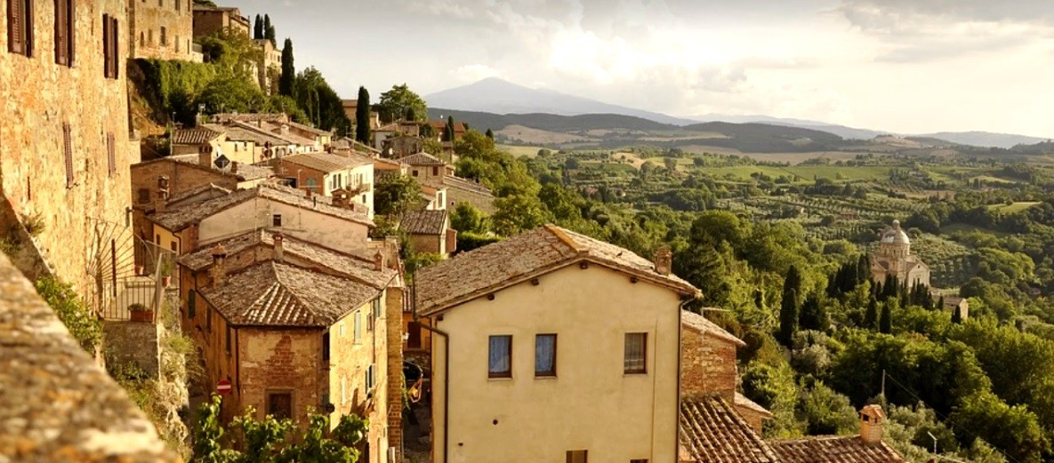 A comunidade de Cinquefrondi, localizada na região da Calábria, no sul da Itália (Foto: reprodução/youtube)