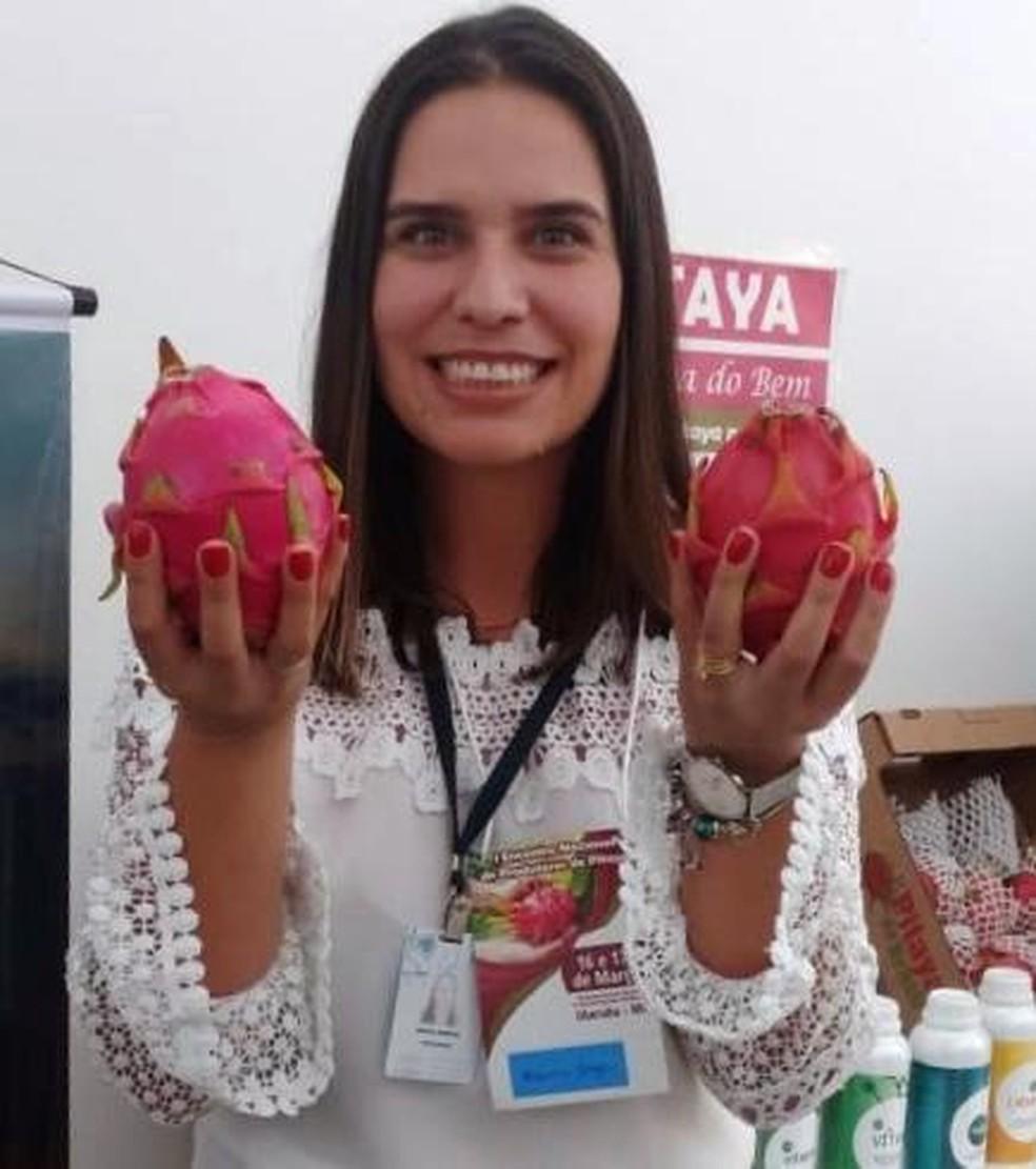 Projeto-piloto de estudos sobre a pitaya na Fazu foi ideia da professora Márcia Borge — Foto: Márcia Borges/Arquivo Pessoal