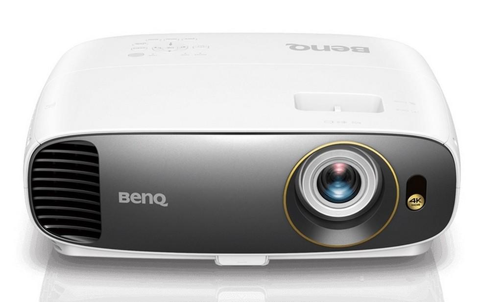 Projetor BenQ W1700 4K HDR de 2.200 lúmens  — Foto: Divulgação/BenQ