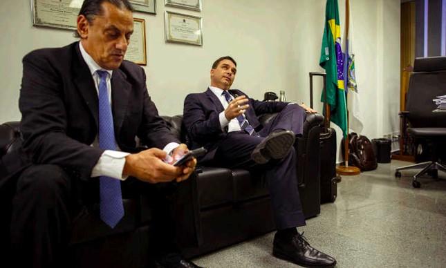 Fred Wassef e Flavio Bolsonaro