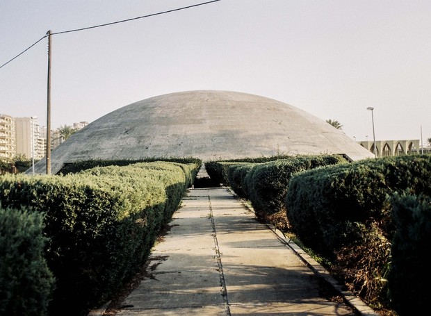 Cúpulas e outras estruturas arredondadas marcam o trabalho de Niemeyer (Foto: Roberto Burle Marx/ Reprodução)