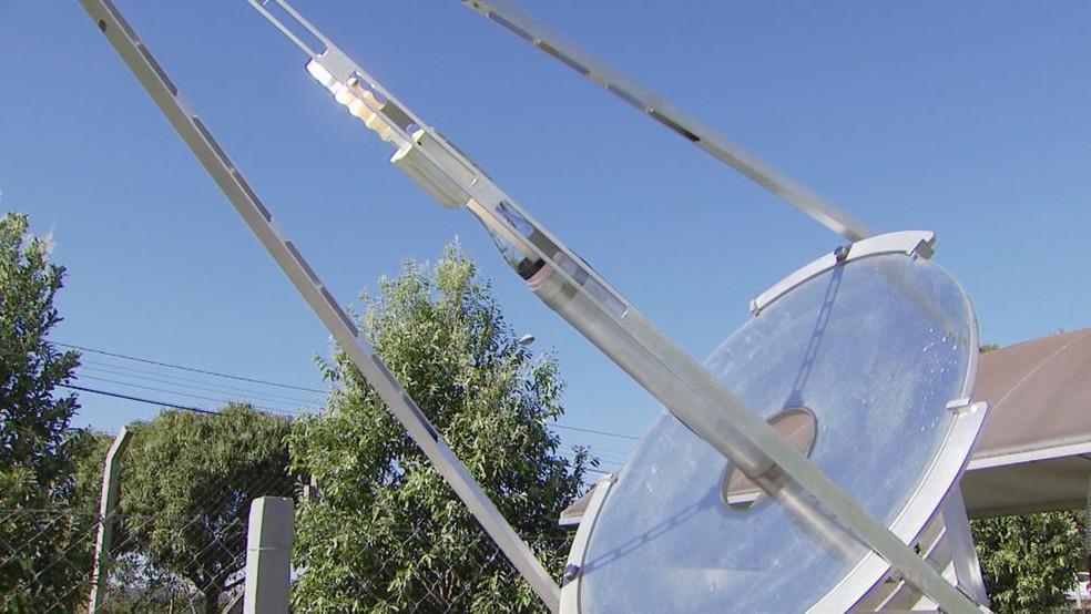 Equipamento da Unesp de Araraquara armazena luz solar e transforma em energia usada na purificação de água — Foto: Reginaldo dos Santos/EPTV