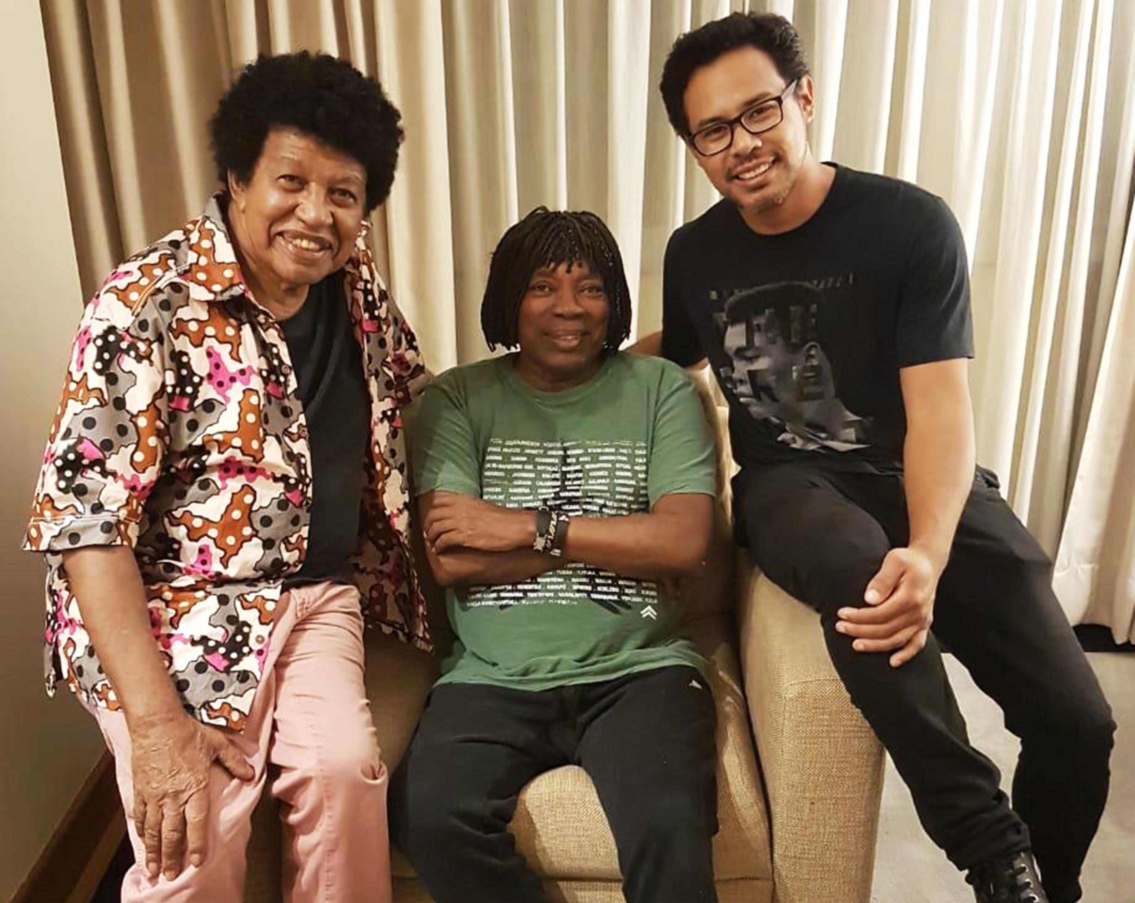 Milton Nascimento tem 'lados B' abordados em álbum dos músicos Robertinho Silva e Alexandre Ito