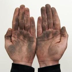 Mão, sujeira (Foto: Arquivo Google)