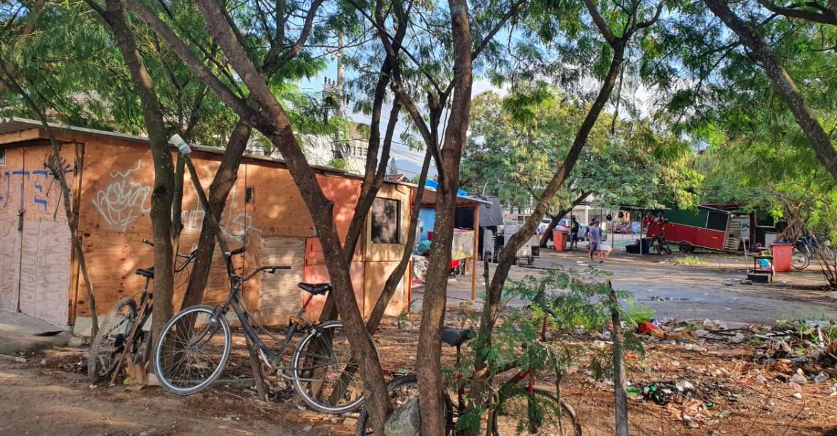 Moradores do Recreio reclamam de ocupação irregular de terreno na Av. das Américas durante pandemia