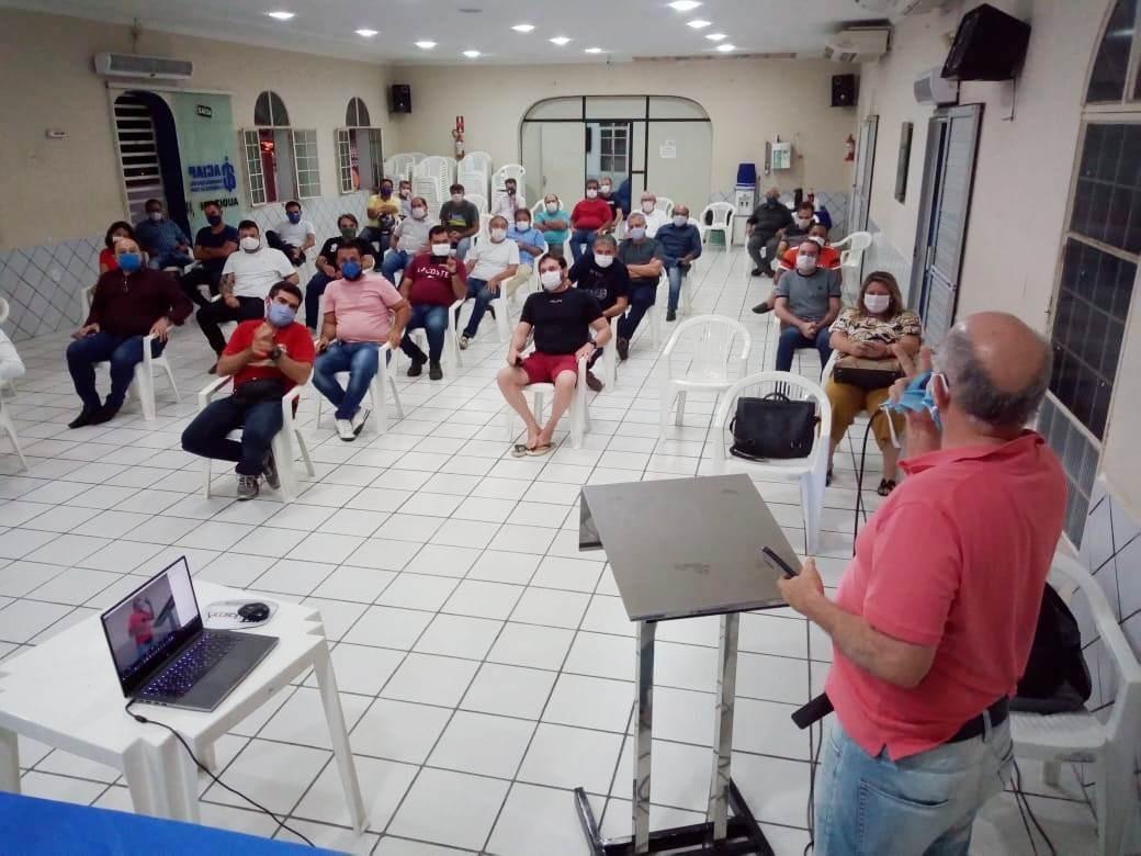 Coronavírus: prefeito de Patos, PB, anuncia flexibilização do comércio após reunião com empresários