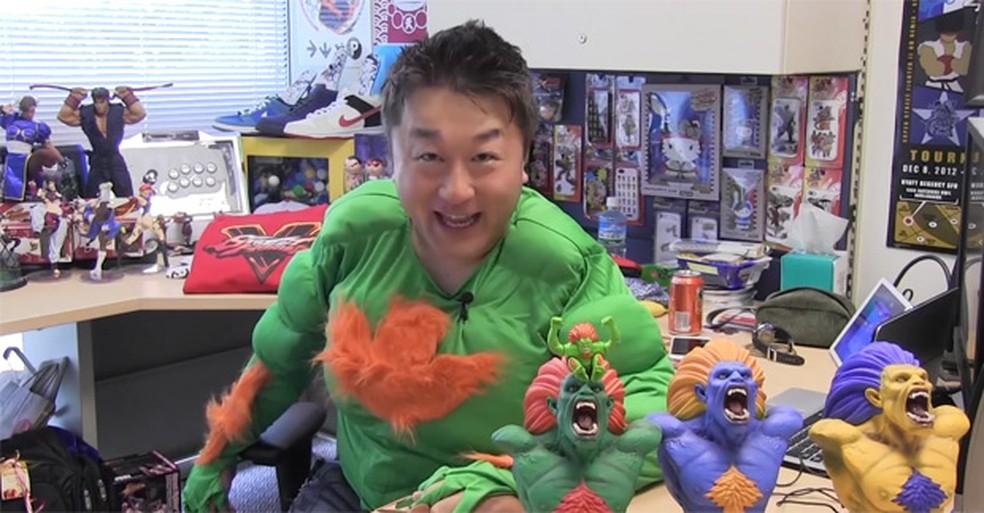 """Yoshinori Ono, produtor executivo de """"Street Fighter V"""", promete um lutador brasileiro no game — Foto: Reprodução/Youtube/Capcom Unity Brasil"""