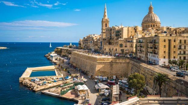 Malta tem um lucrativo programa de concessão de vistos por investimento, mas que está na mira do Parlamento Europeu (Foto: GETTY IMAGES)