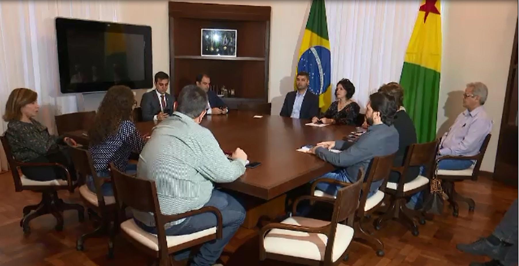 Governador se reúne para debater mudanças que limitam gastos dos três poderes no Acre - Notícias - Plantão Diário