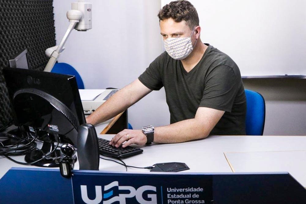 UEPG abre inscrições para processo seletivo de contratação de professor formador