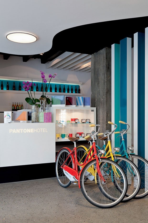 Interior do The Pantone Hotel, em Bruxelas