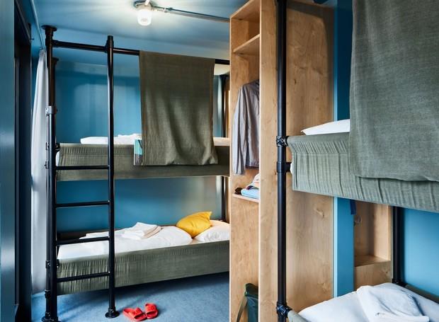 Dormitório com quatro camas  (Foto: Reprodução Kinzo)