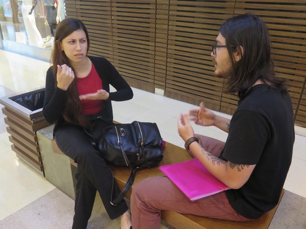 Jovem cursa administração em uma universidade Santos, SP (Foto: Andressa Barboza/G1)
