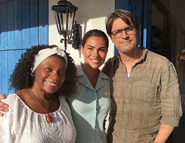 """Fernanda com Zezé Motta e o português Diogo Morgado em """"Ouro Verde"""" (Foto: Reprodução/Instagram)"""