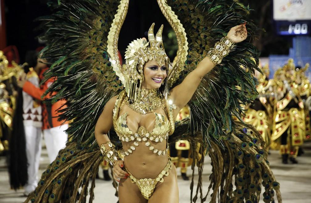 Viviane Araújo, rainha de bateria do Salgueiro (Foto: Marcos Serra Lima)