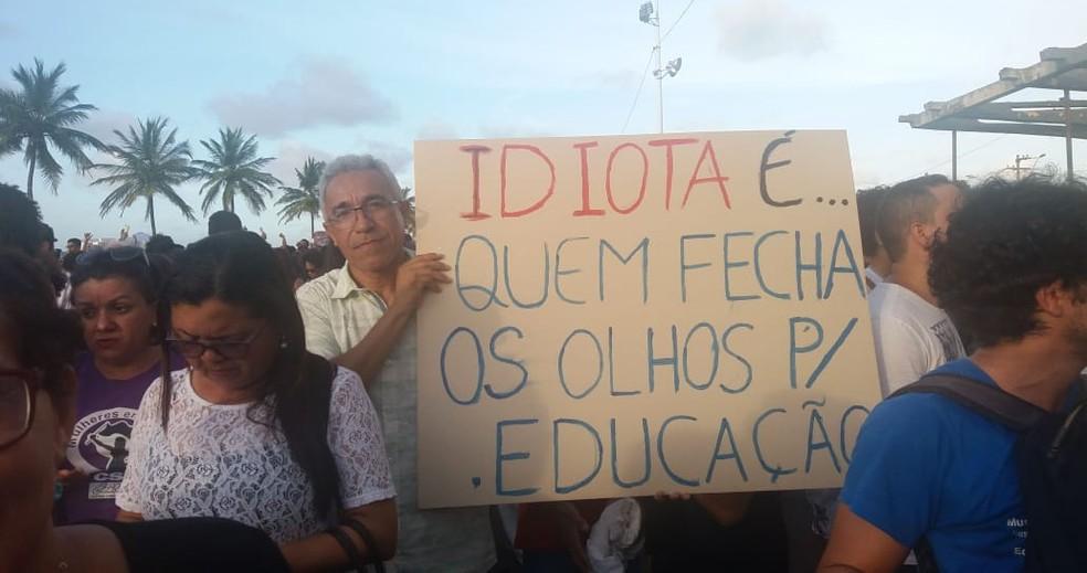 São Luís tem protestos contra bloqueio na educação — Foto: Alessandra Rodrigues/Rádio Mirante AM
