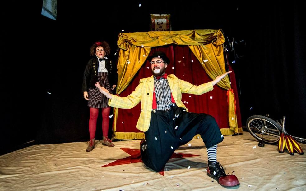 Palhaço Trevolino e palhaça Lelê, da Cia. da Sorte, em espetáculo (Foto: Cia. da Sorte/Divulgação)