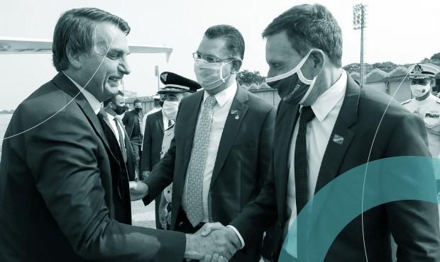Crivella e Bolsonaro: ex-prefeito foi chamado para substituir nome experiente na África do Sul