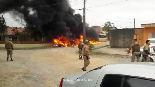 Helicóptero cai e deixa 3 mortos em Joinville; tripulação foi sequestrada