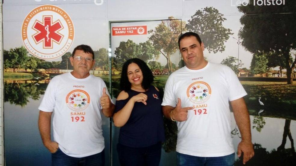 Auxiliar administrativa ensina libras para profissionais do Samu em Teresina — Foto: Arquivo pessoal