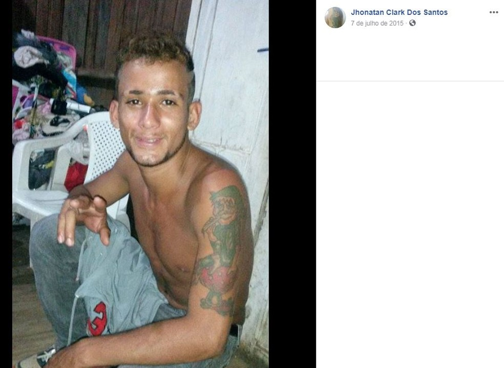 Jhonatan Clark dos Santos, de 34 anos, foi morto a tiros quando saia de casa em Rio Branco — Foto: Reprodução/Facebook