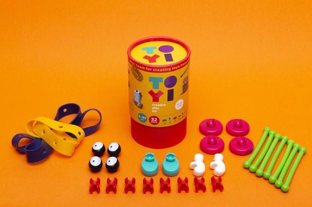 Conheça um kit para crianças transformarem qualquer objeto em brinquedos (Foto:  Reprodução )