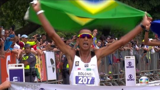 Brasil faz dobradinha e vence a Maratona de São Paulo no masculino e no feminino