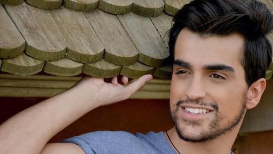 Sertanejo Matteus lança clipe da música autoral 'Mensagem de Voz'