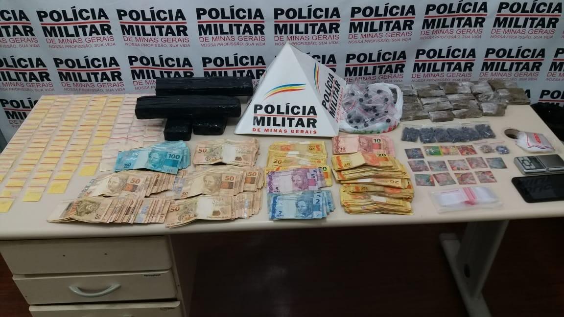 Mulher é presa com mais de mil unidades de droga sintética e R$ 33 mil