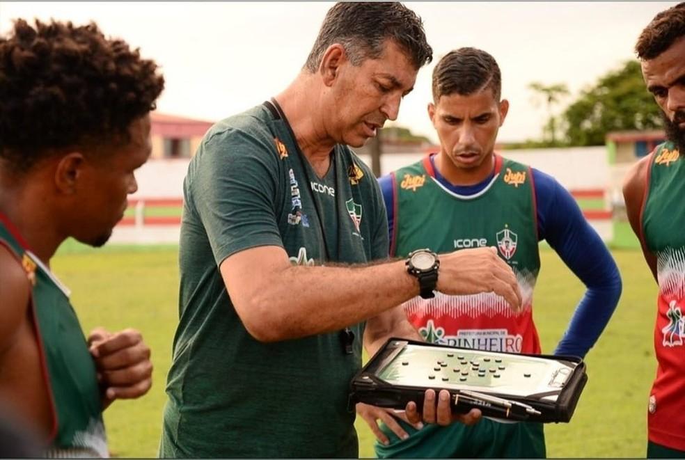 João Carlos Ângelo, técnico do Pinheiro — Foto: José Maria / PAC