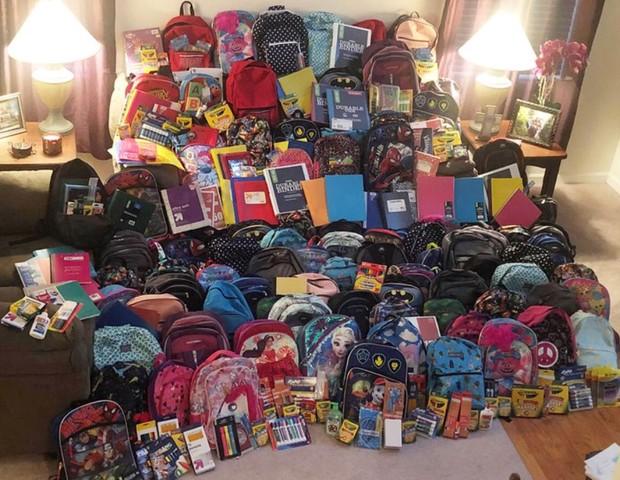 mochilas com material escolar arrecadada em funeral (Foto: reprodução instagram)