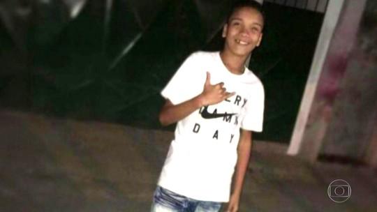 Adolescente morto na Maré foi baleado pelas costas, diz laudo