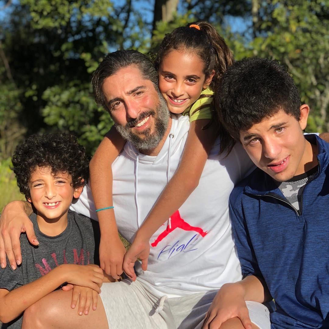 Marcos Mion com os três filhos: educar não é tarefa fácil (Foto: Reprodução/Instagram)