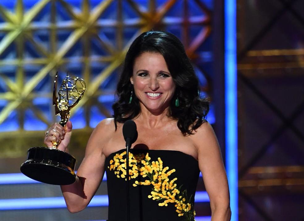 -  Julia Louis-Dreyfus leva o Emmy de melhor atriz em série de comédia com   39;Veep  39;  Foto: Frederic J. Brown/AFP